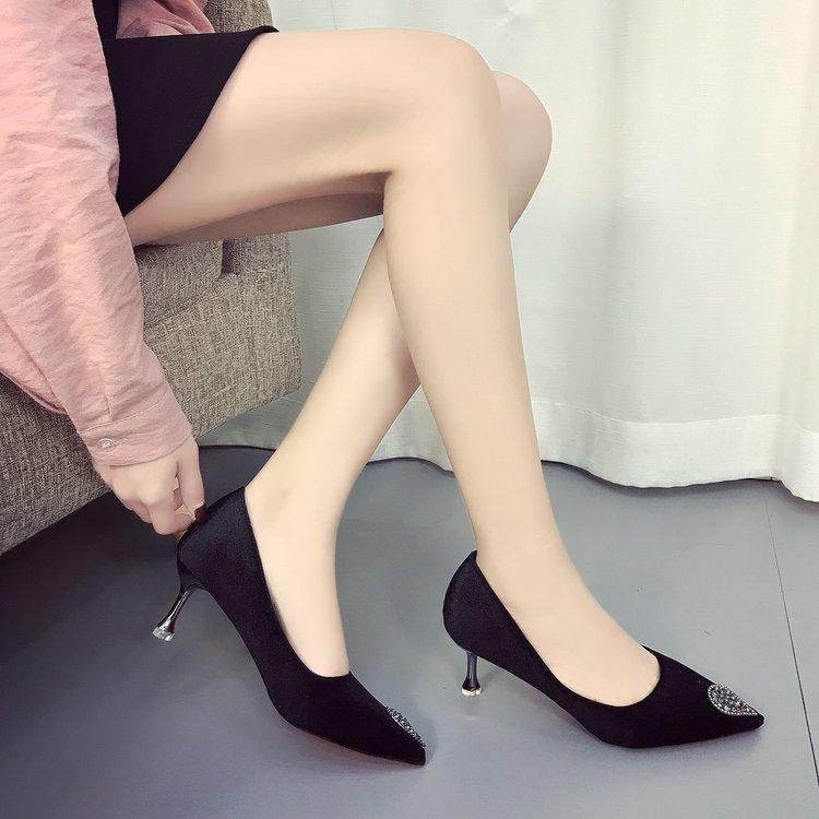 魅语伊人女鞋微信货源,微商工厂女鞋代理一件代发,淘宝网店一手货源供货